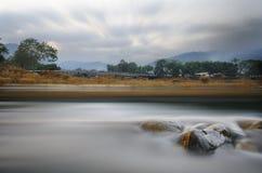 Благоустраивайте с деревьями гор Стоковое Изображение RF