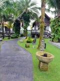Благоустраиванный тропический сад курорта Стоковая Фотография