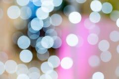 Блестящие звезды на bokeh звезды абстрактной картины конструкции украшения рождества предпосылки темной красные белые Стоковое Изображение