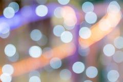 Блестящие звезды на bokeh звезды абстрактной картины конструкции украшения рождества предпосылки темной красные белые Стоковые Фотографии RF