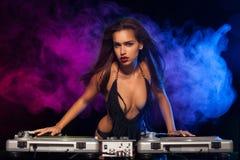 Блестящий сексуальный busty DJ Стоковые Фото