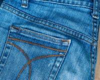 близкая текстура съемки джинсыов вверх Стоковая Фотография RF