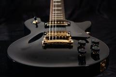 близкая электрическая гитара вверх Стоковое фото RF