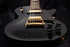 близкая электрическая гитара вверх Стоковое Изображение