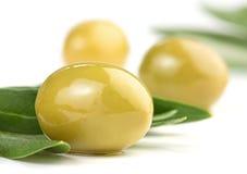 близкие зеленые оливки вверх Стоковое Изображение