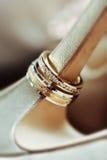 близкие кольца поднимают венчание Стоковое фото RF