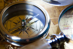 близкий компас вверх по взгляду Стоковые Фотографии RF