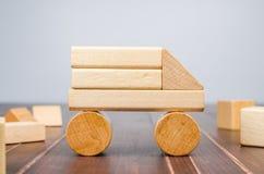Блоки игрушки тележки деревянные Стоковое Изображение