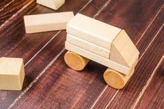 Блоки игрушки тележки деревянные Стоковое Фото