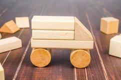Блоки игрушки тележки деревянные Стоковые Изображения RF
