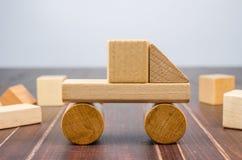 Блоки игрушки тележки деревянные Стоковая Фотография RF