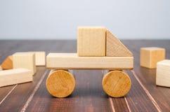 Блоки игрушки тележки деревянные Стоковые Изображения