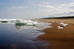 Блоки льда к морю Стоковое Изображение