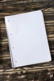 Блокнот, тетрадь на деревянном столе Стоковое Фото