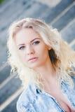 Блондинка маленькой девочки Portert стоковое изображение rf