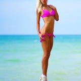 Блондинка с совершенным телом Стоковые Изображения