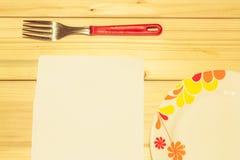 Блюда на деревянной предпосылке Стоковые Фото