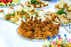 Блюда на таблице банкета Стоковое Фото