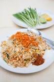 Блюда Таиланда национальные, stir-зажаренные лапши риса (пусковая площадка тайская) Стоковое фото RF