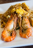Блюда Таиланда национальные, stir-зажаренные лапши риса с яичком Стоковые Фотографии RF
