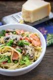 Блюдо макаронных изделий Fettuccine Стоковые Изображения RF