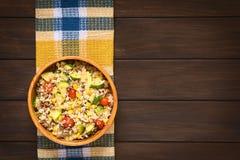 Блюдо риса с Mincemeat и овощами Стоковая Фотография