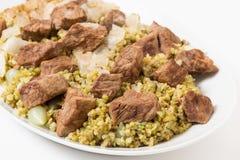 Блюдо сервировки говядины и frikeh Стоковое Фото