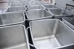 Вагонетка для транспорта мяса Стальная емкость  стоковые фото