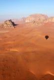 вади рома ландшафта пустыни воздушного шара Стоковые Изображения RF