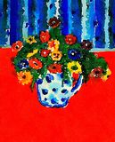 Ваза с Multi покрашенными цветками Стоковые Изображения