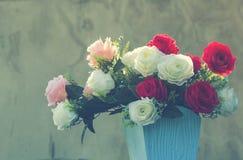 ваза цветков сбор винограда типа лилии иллюстрации красный Стоковые Изображения