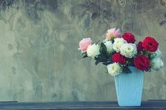 ваза цветков сбор винограда типа лилии иллюстрации красный Стоковые Фотографии RF