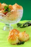 ваза profiteroles торта кристаллическая Стоковое фото RF