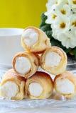 ваза profiteroles торта кристаллическая Стоковая Фотография