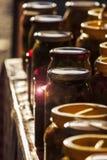Вазы еды на таблице на турецком базаре Стоковые Фотографии RF