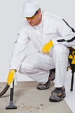 вакуум пола чистки уборщика цемента стоковые фото