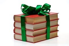 Валентайн дня книги изолированное подарком Стоковое фото RF