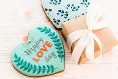 Валентайн дня приветствуя счастливое s карточки счастливый текст дня влюбленности на кашеваре Стоковые Фото