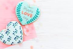 Валентайн дня приветствуя счастливое s карточки счастливый текст дня влюбленности на кашеваре Стоковая Фотография
