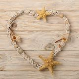 Валентайн дня s Декоративное сердце в морском стиле от seashel Стоковые Фотографии RF
