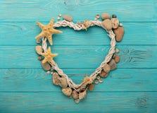 Валентайн дня s Декоративное сердце в морском стиле от seashel Стоковые Изображения