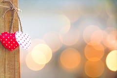 Валентайн дня s Зашитая граница строки сердец подушки Стоковая Фотография