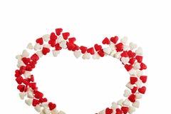 Валентайн дня s Сердце сделанное из изолированной карамельки на белой предпосылке Стоковое Изображение