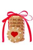 Валентайн красного цвета сердца печений смычка Стоковые Изображения RF