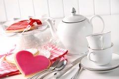Валентайн чайника чашек печений Стоковая Фотография