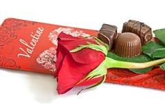 Валентайн шоколада карточки розовое Стоковые Фотографии RF