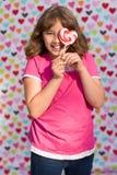 Валентайн lollipop девушки Стоковые Изображения
