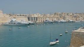 Валлетта, Мальта 4-ое июля 2016 Шлюпки и корабли в порте акции видеоматериалы