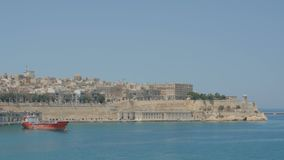 Валлетта, Мальта 4-ое июля 2016 Шлюпки и корабли в порте сток-видео