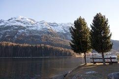 валы горы озера Стоковая Фотография RF
